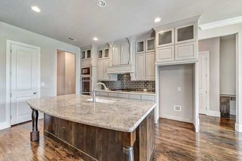 Kitchen-in-6025-at-La Cantera-in-Benbrook