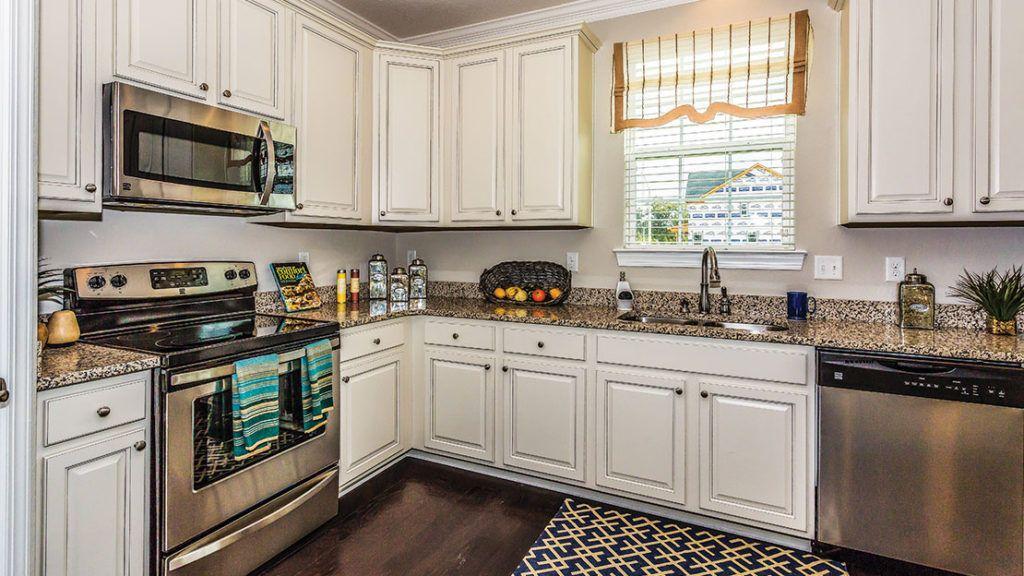 Kitchen-in-The Azalea-at-Waterleigh-in-Moyock
