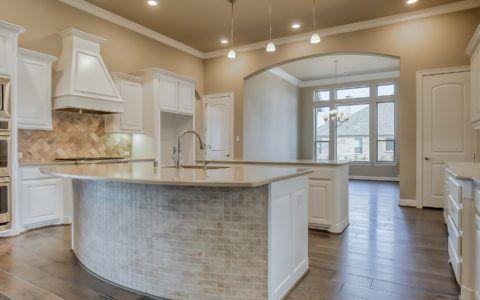 Kitchen-in-Loures-at-Southridge Estates-in-Parker
