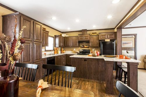 Kitchen-in-THE DAYTONA 28-at-Clayton Homes-Palestine-in-Palestine