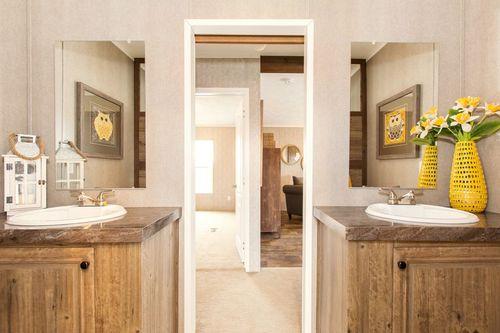 Bathroom-in-THE BREEZE II-at-Clayton Homes-Albertville-in-Albertville