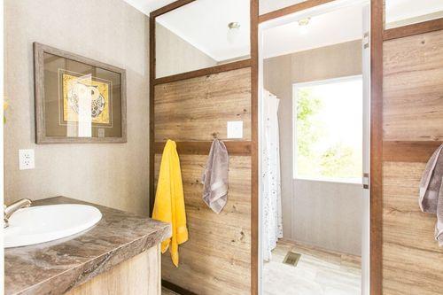 Bathroom-in-THE BREEZE II-at-Clayton Homes-Lynchburg-in-Lynchburg