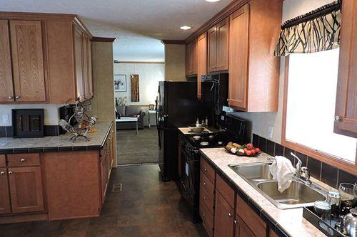 Kitchen-in-Elite 182507-at-G & I Homes-Frankfort-in-Frankfort