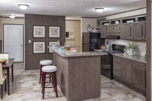 Kitchen-in-VISION EXTREME 76 B-at-Oakwood Homes-Lexington-in-Lexington