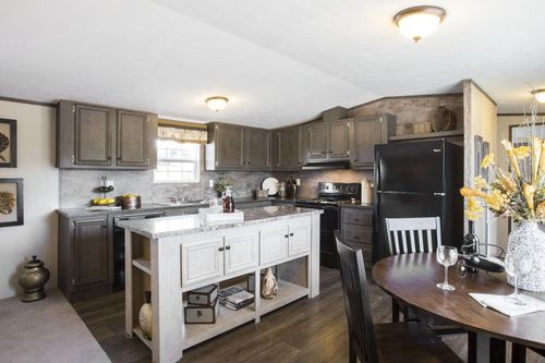 Kitchen-in-BLAZER EXTREME 76 D-at-Clayton Homes-Tallahassee-in-Tallahassee
