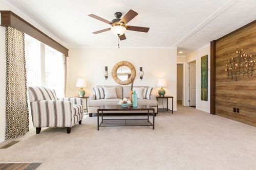 Greatroom-in-RENEGADE 48A-at-Clayton Homes-St. Albans-in-Saint Albans