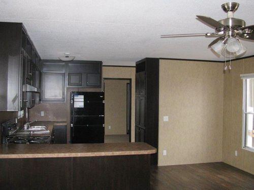 Kitchen-in-MAXIMIZER 16562Z-at-Clayton Homes-Abilene-in-Abilene