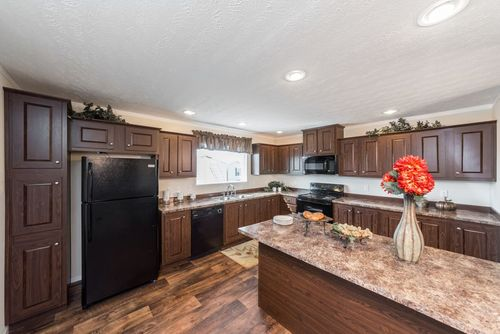 Kitchen-in-MAVERICK 56A-at-Clayton Homes-Cleveland-in-Cleveland
