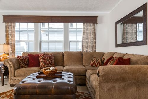 Greatroom-in-MAVERICK 56A-at-Clayton Homes-St. Albans-in-Saint Albans
