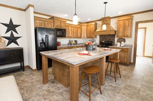 Kitchen-in-FRONTIER-at-Clayton Homes-Evansville-in-Evansville