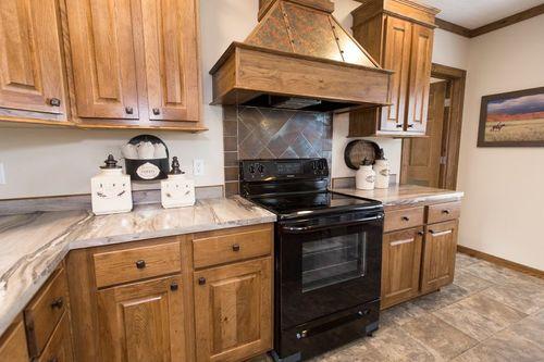 Kitchen-in-FRONTIER-at-Clayton Homes-Harrisonburg-in-Harrisonburg
