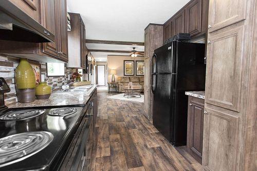 Kitchen-in-THE WIGGINS-at-Clayton Homes-Crestview-in-Crestview