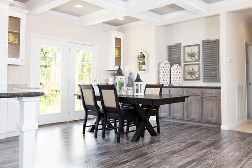Dining-in-THE SUPER 68-at-Clayton Homes-Turtle Creek-in-Turtle Creek