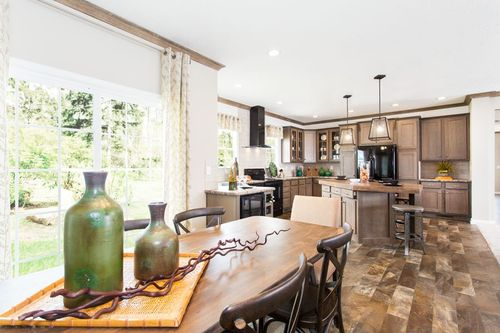 Greatroom-and-Dining-in-3345 CLASSIC-at-Oakwood Homes-Asheville-in-Asheville