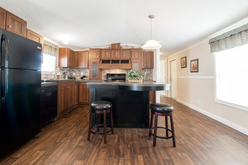 Kitchen-in-APOLLO-at-Oakwood Homes-Greenville-in-Greenville