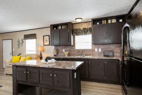 Kitchen-in-BLAZER EXTREME 76 D-at-Clayton Homes-East Ridge-in-East Ridge