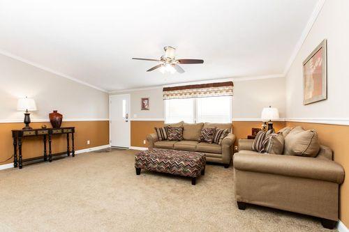 Greatroom-in-ZEUS-at-Oakwood Homes-Greenville-in-Greenville