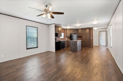Empty-in-MAXIMIZER 16763A-at-Clayton Homes-Corpus Christi-in-Corpus Christi