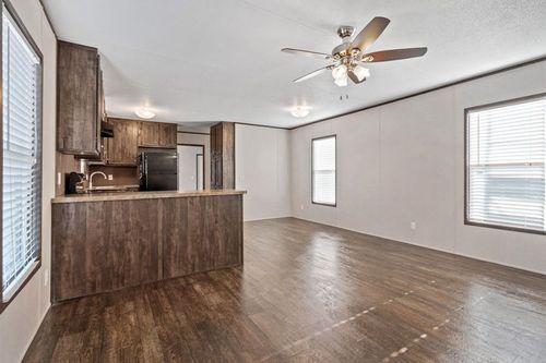 Empty-in-MAXIMIZER 16562Z-at-Clayton Homes-Corpus Christi-in-Corpus Christi
