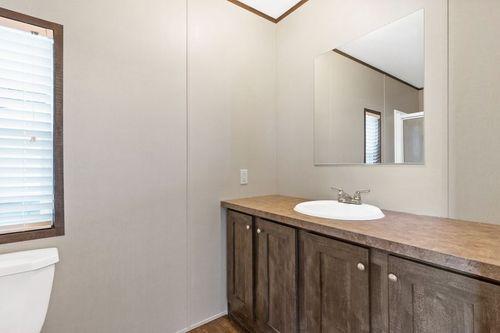 Bathroom-in-MAXIMIZER 16562Z-at-Clayton Homes-Abilene-in-Abilene