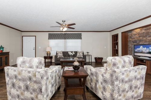 Greatroom-in-THE COMMANDER-at-Clayton Homes-Corinth-in-Corinth