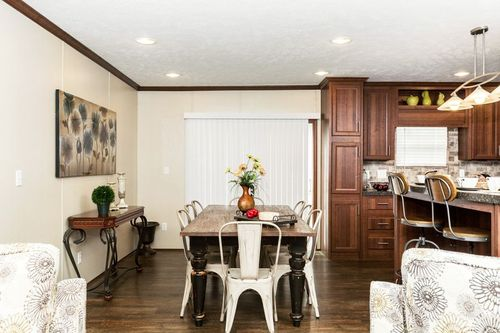 Greatroom-and-Dining-in-THE COMMANDER-at-Clayton Homes-Corinth-in-Corinth