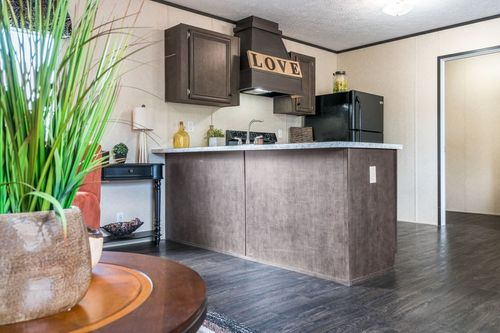 Kitchen-in-VISION EXTREME 1664-at-Oakwood Homes-Powell-in-Powell
