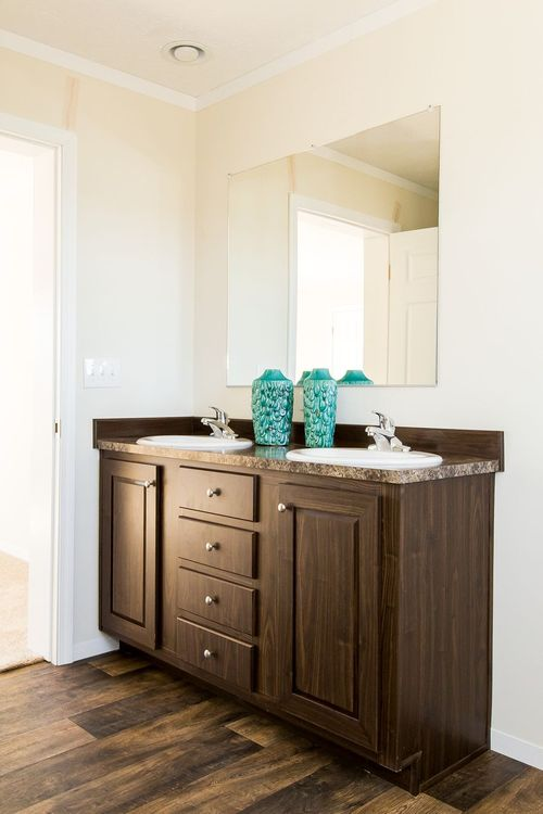 Bathroom-in-SANTA FE 684A-at-Clayton Homes-Albemarle-in-Albemarle