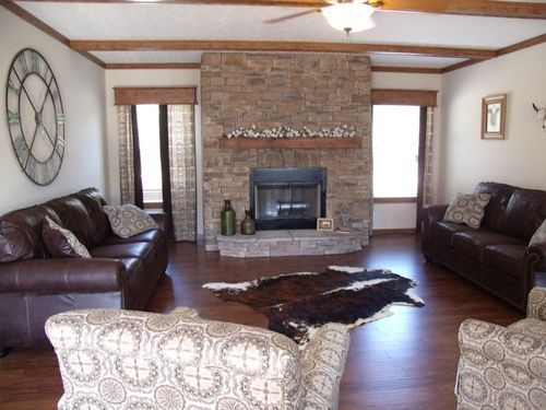 Greatroom-in-CMB32663C-at-Clayton Homes-Conover-in-Conover