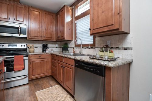 Kitchen-in-THE STEWART 32-at-Clayton Homes-Bryan-in-Bryan