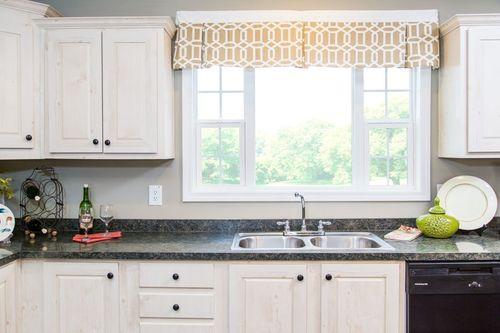 Kitchen-in-4608 ROCKETEER 5628-at-Clayton Homes-Albemarle-in-Albemarle