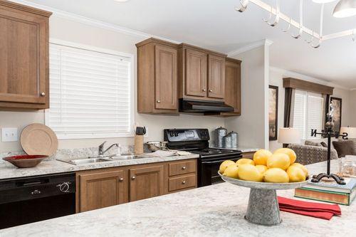 Kitchen-in-PALERMO 6428-500-6-at-Clayton Homes-Bloomsburg-in-Bloomsburg
