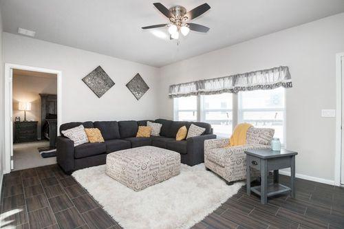 Greatroom-in-SIGNATURE PLUS-at-Clayton Homes-Snowflake-in-Snowflake