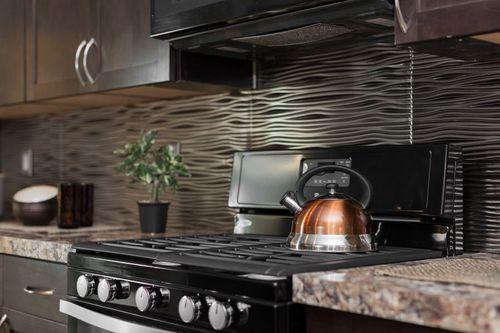 Kitchen-in-RC4068B-at-Clayton Homes-Cheyenne-in-Cheyenne