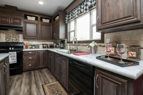 Kitchen-in-THE NASHVILLE-at-Clayton Homes-Searcy-in-Searcy