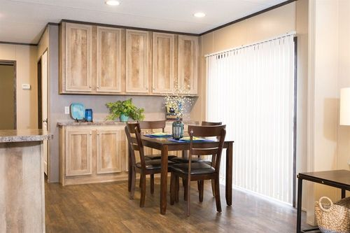 Breakfast-Room-in-THE ANNIVERSARY-at-Clayton Homes-Corinth-in-Corinth