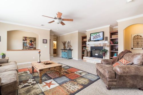 Greatroom-in-THE GREENSBORO-at-Clayton Homes-Lubbock-in-Lubbock