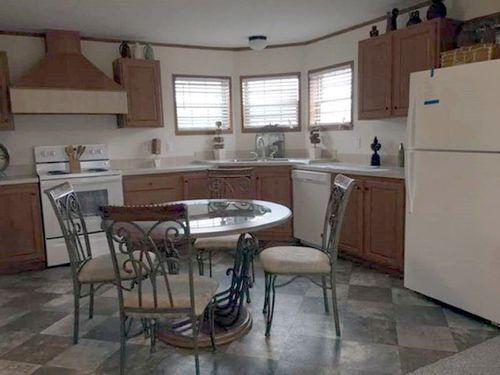 Kitchen-in-Pioneer-at-Clayton Factory Direct-Garrett-in-Garrett