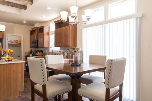 Dining-in-THE ANNIVERSARY 3.0-at-Clayton Homes-Fort Mohave-in-Fort Mohave
