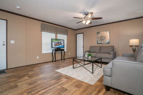 Greatroom-in-THE WINN-at-Clayton Homes-Neosho-in-Neosho