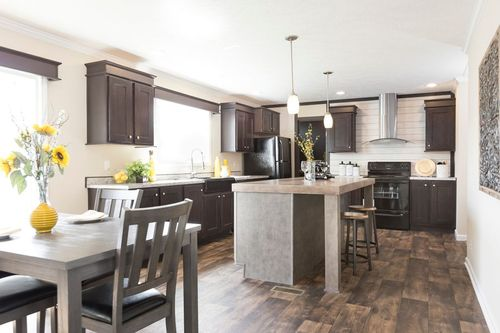Kitchen-in-THE ANNIVERSARY 2.1-at-Clayton Homes-Owensboro-in-Owensboro