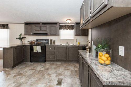 Kitchen-in-BLAZER EXTREME 76 A-at-Clayton Homes-Lynchburg-in-Lynchburg