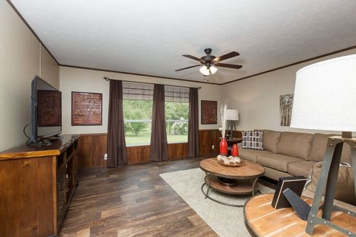 Greatroom-in-THE BAYSIDE-at-Clayton Homes-Searcy-in-Searcy