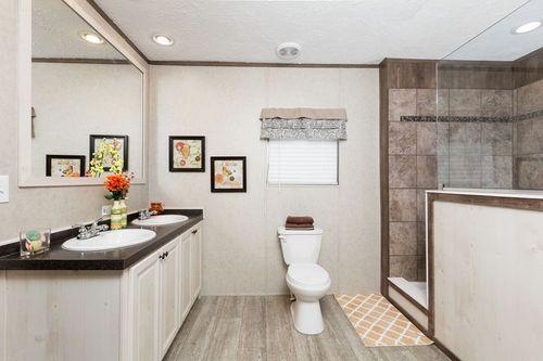 Bathroom-in-NAVIGATOR-at-Clayton Homes-Augusta-in-Augusta