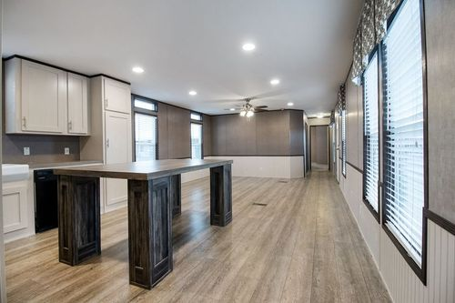 Kitchen-in-DECISION MAKER 16803W-at-Oakwood Homes-Las Cruces-in-Las Cruces