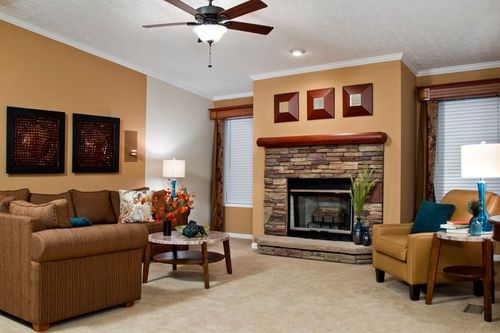 Greatroom-in-CMQ28563B-at-Clayton Homes-Albertville-in-Albertville