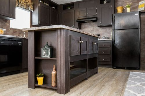 Kitchen-in-BLAZER EXTREME 76 D-at-Freedom Homes-Mt. Sterling-in-Mount Sterling