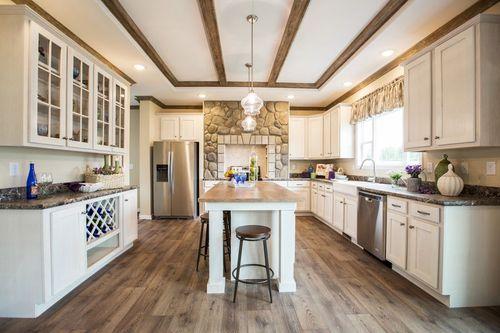 Kitchen-in-2483 HERITAGE-at-Clayton Homes-Lynchburg-in-Lynchburg