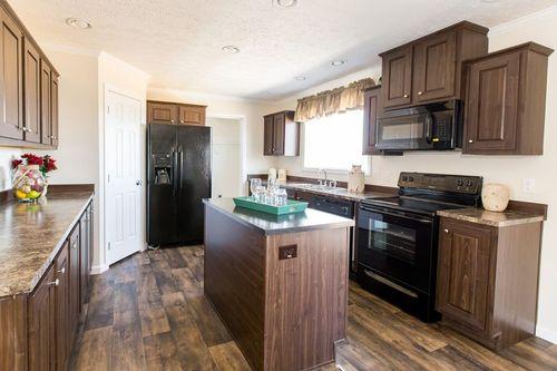 Kitchen-in-SANTA FE 684A-at-Clayton Homes-Corinth-in-Corinth