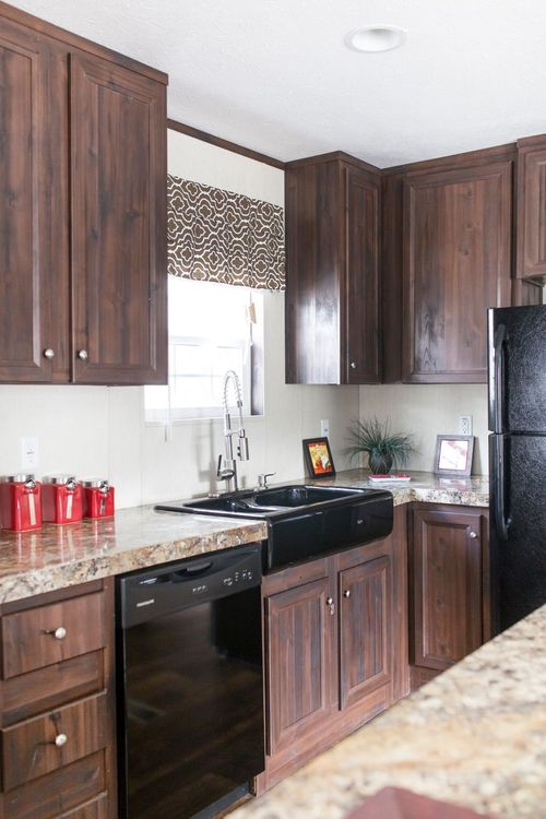Kitchen-in-THE PEYTON-at-Clayton Homes-Cullman-in-Cullman